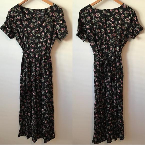df9e80c0a3b 90s Vintage Erika Floral Midi Dress. M 5bb987b6c9bf50be462bcb7a